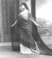 Lucienne Bréval en Phèdre