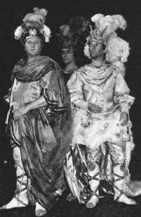 Ian Caley (Neptune), John Tomlinson (Pluton) et OIan Caddy (Jupiter)