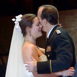 Sinopsis mariage pas datant baiser scène